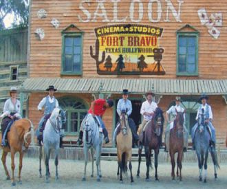 Fort Bravo Texas Hollywood-background