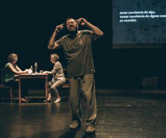 Memoria en Blanco, Cambaleo Teatro